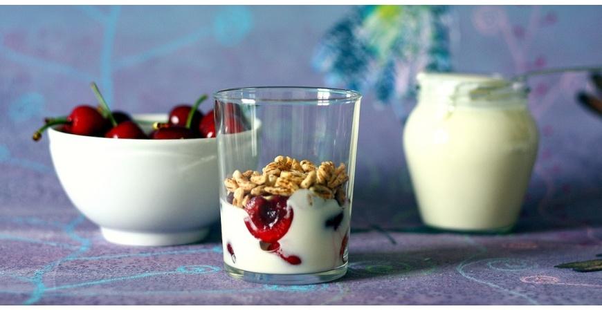 Yogurt fatto in casa: come si usa la yogurtiera?