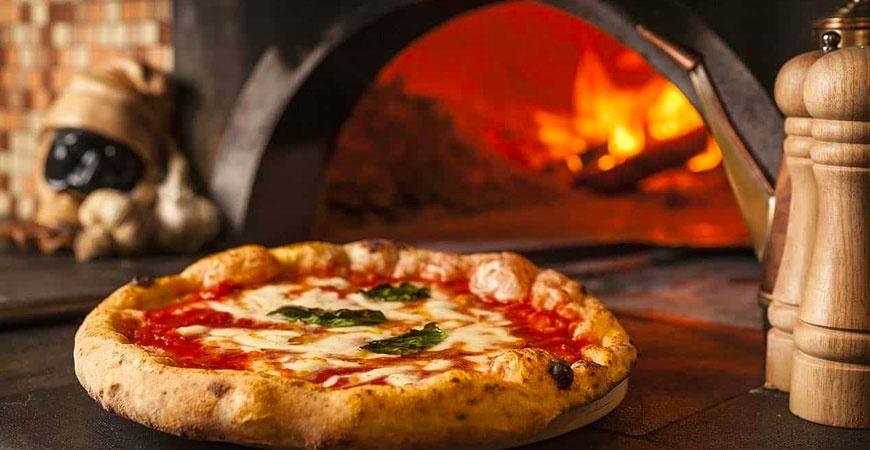 Pizza fatta in casa: impariamo a farla buona come in pizzeria